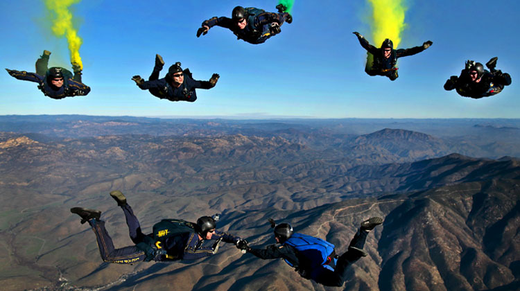 7-sky-divers