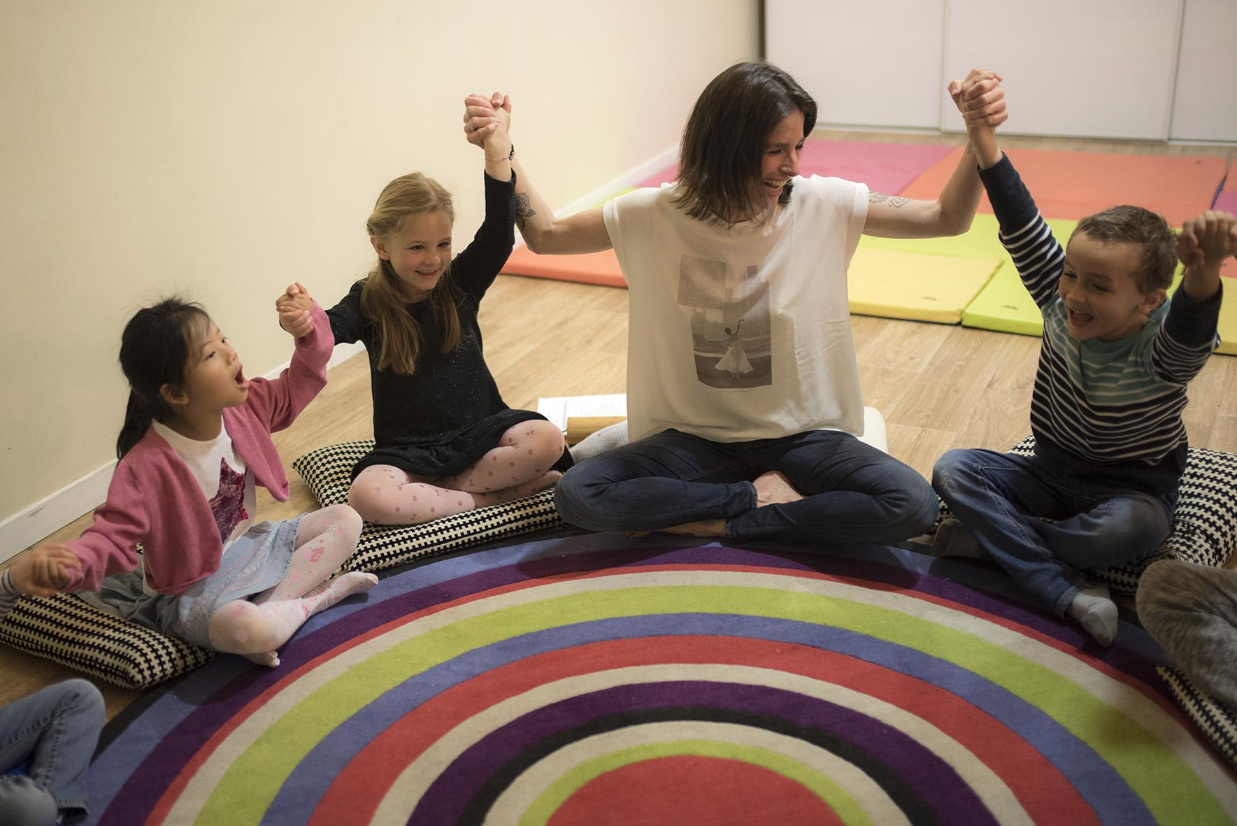 image juliette siozac et enfants atelier mon moment magique